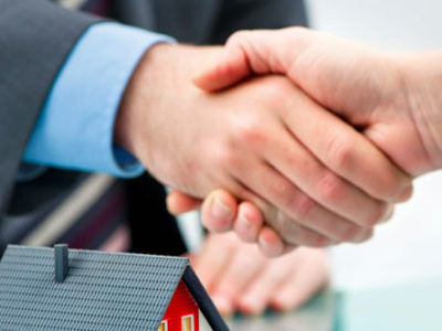 Shake Hands with a Reputable Real Estate Agent in San Diego