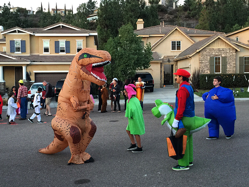 san-elijo-hills-community-halloween-with-kids-trick-or-treating