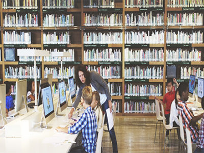 children-in-library-using-computers